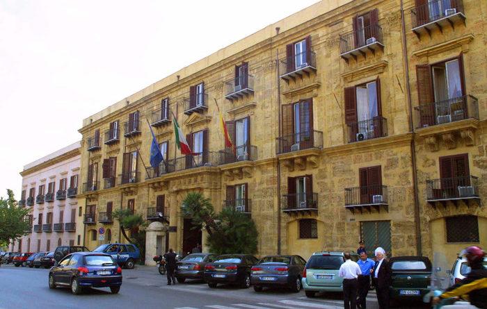 SICILIA –  Regione in gestione provvisoria, stop pagamenti