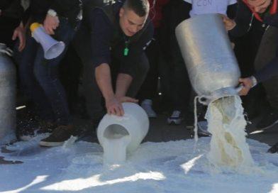 ENNA – Protesta degli allevatori a Dittaino