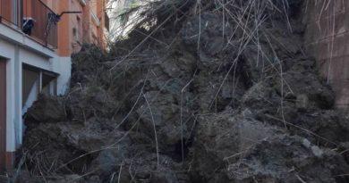 PORTO EMPEDOCLE – Cede costone su palazzina, tragedia sfiorata