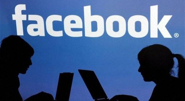 GROTTE – Falsi profili Facebook per vendetta contro la ex: donna di 52 anni a processo
