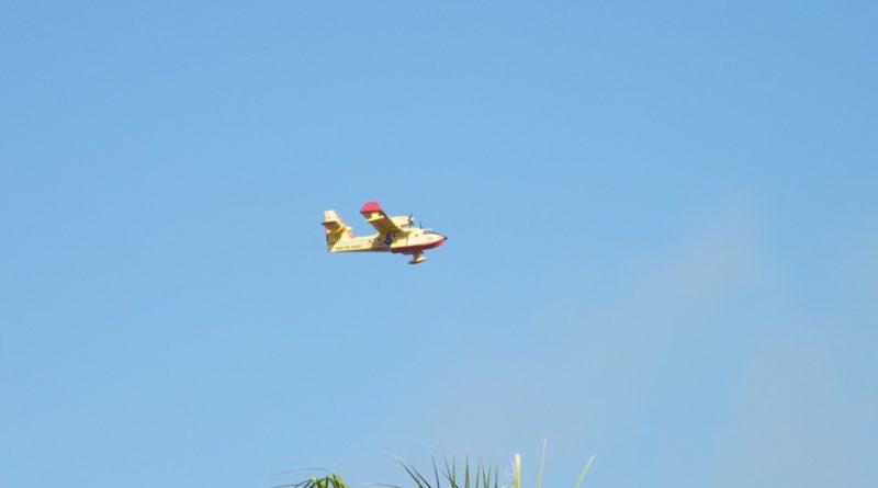 RACALMUTO – L'immancabile incendio al polmone verde di piano Corsa [FOTO]