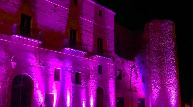 RACALMUTO – Illuminato di viola il Castello Chiaramonte per la giornata mondiale della prematurità