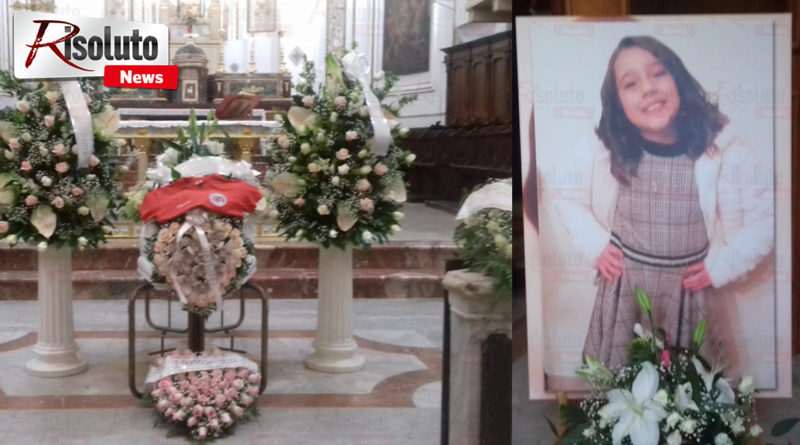 SCIACCA – Si sono svolti i funerali di Carola la piccola di 10 anni morta per un aneurisma