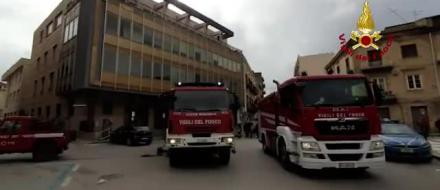 CANICATTI' – Incendio in banca, il rogo provocato da un guasto [ Il video]