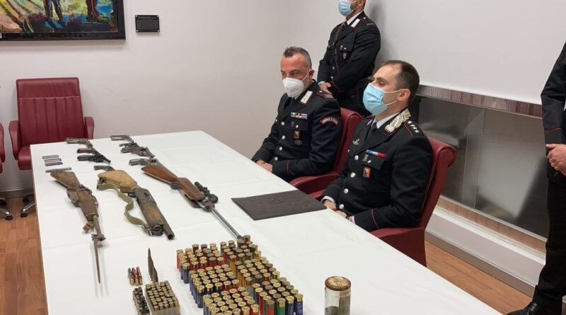 RAFFADALI – Scoperto arsenale di armi: arrestato 43enne muratore