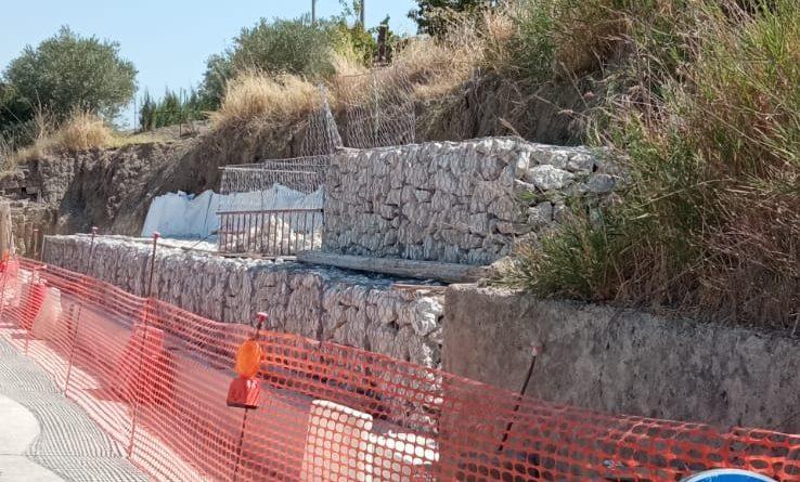 Al via lavori di ripristino del muraglione della strada che collega Racalmuto con Grotte.